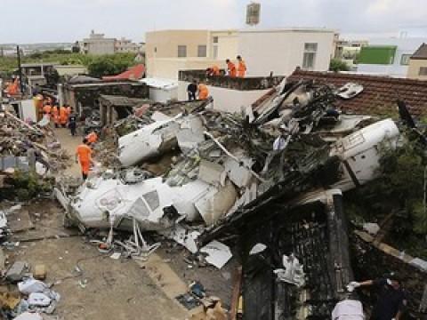 Em oito dias, três tragédias aéreas mataram 464 pessoas