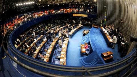 """Day after das eleições: Senado volta a discutir """"contratação integrada"""""""