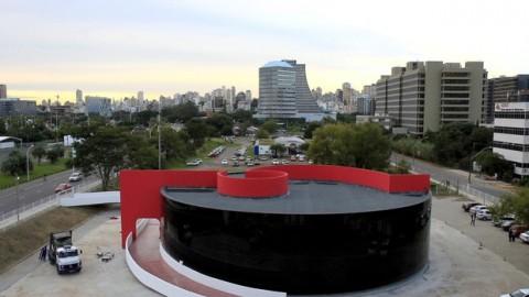 Ato em defesa do Memorial Prestes em Porto Alegre