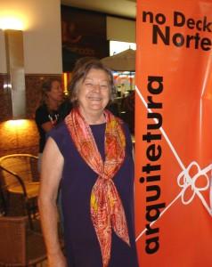 Elza Kunze Bastos, diretora do SINARQ-DF