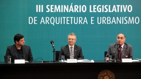 Parlamentares celebram atuação política de arquitetos e urbanistas