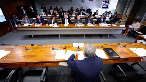 Novo marco regulatório na contratação de obras públicas avança no Senado