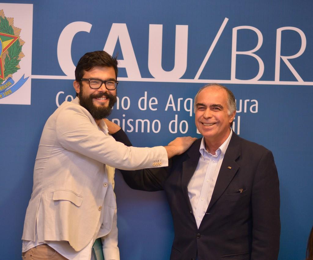 Matheus Seco (IAB/DF) e Haroldo Pinheiro (CAU/BR)