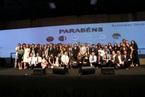 Estudantes brasileiros vencem prêmio global da Schindler